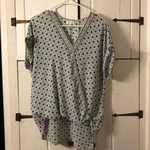 Short sleeve, v-neck blouse